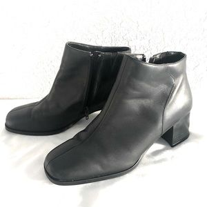 Thom McAn Black Ankle Boots zipper Booties 10 Wide